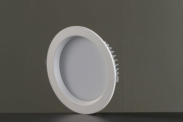 Vackerlite Latt 8 Downlight Spot Sideview