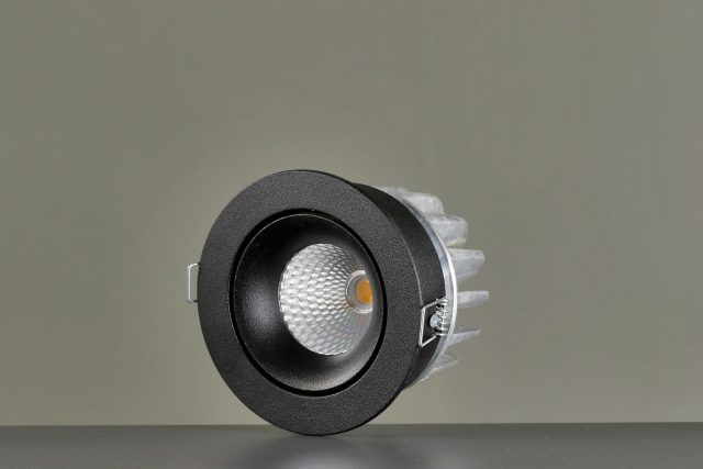 Vackerlite Lins Tilted Downlight Spot Black Sideview